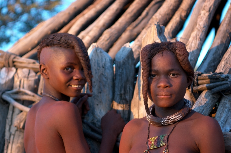 namibia-country-lodges-himba3