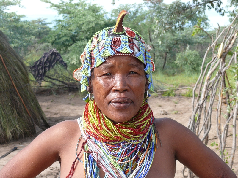 namibia-country-lodges-activity-san-bushman-woman